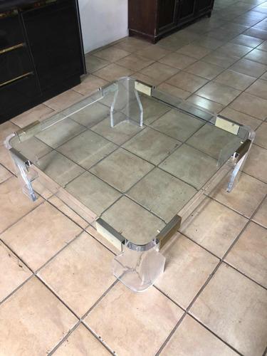 mesa de sala italiana en acrilico y vidrio , como nueva