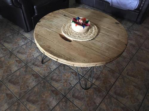 mesa de sala redonda diseño muy  resistente