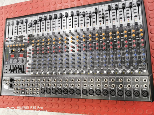mesa de som behringer eurodesk sx2442fx 20 canais perfeita!!