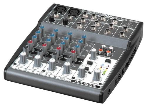 mesa de som behringer xenyx 802 mixer