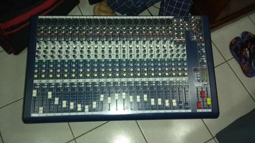 mesa de som soundcraft mfxi 20 canais