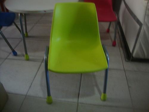 mesa de tres sillas para niños
