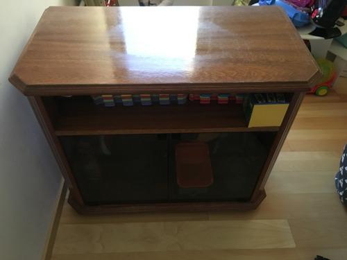 mesa de tv de roble
