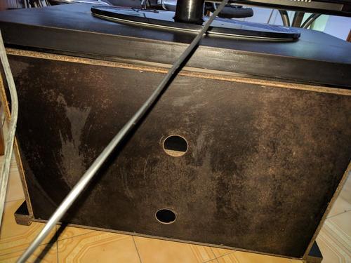 mesa de tv giratoria negra con ruedas y estante