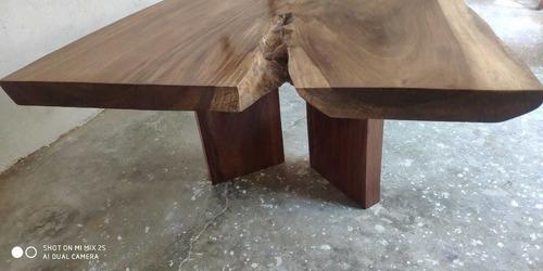 mesa de una sola pieza de cubierta de madera con 3 patas