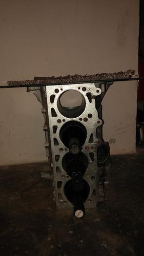 mesa de vidrio con block de motor ratona rustica