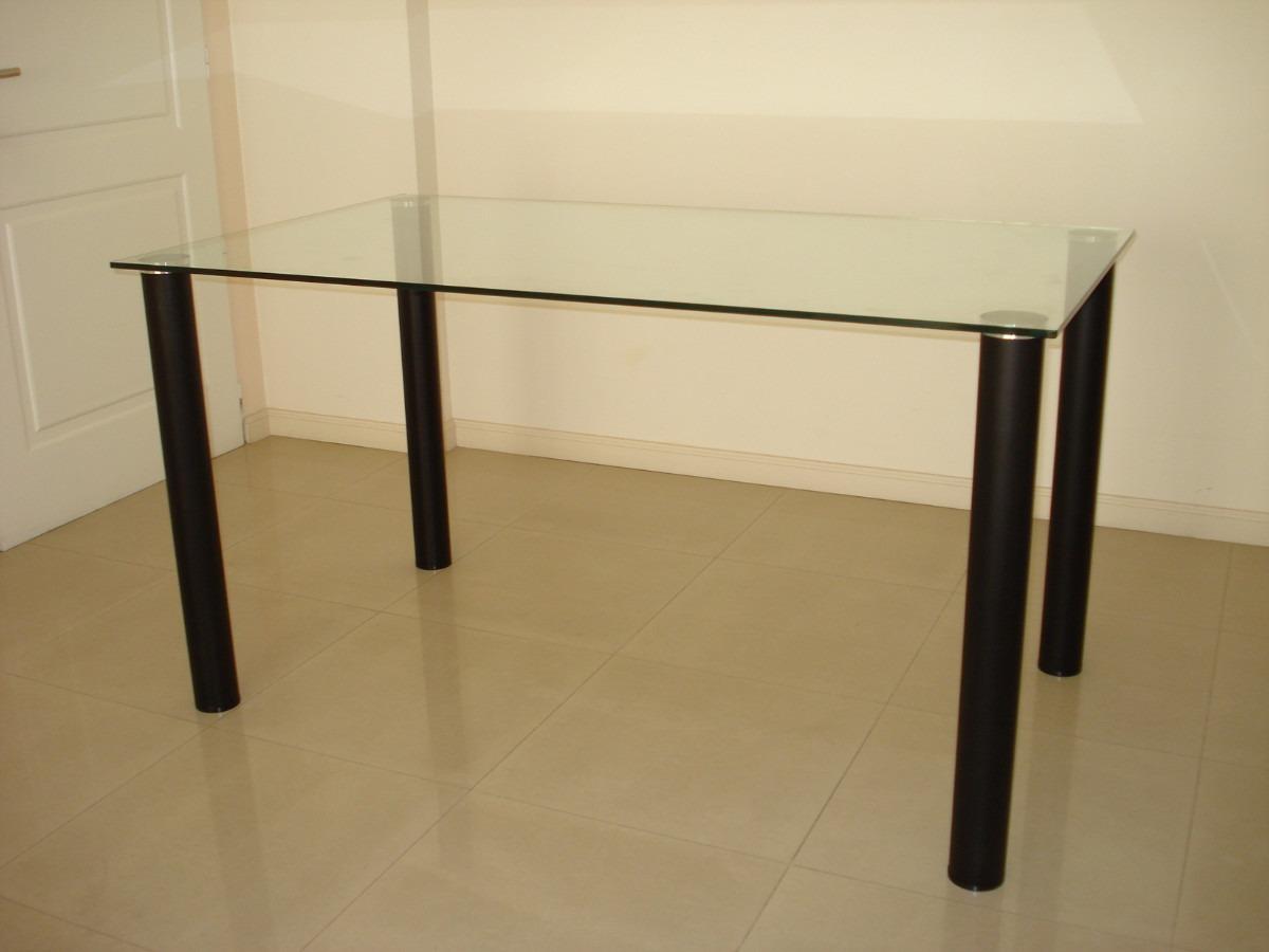 mesa de vidrio con patas negras de aluminio anodizado