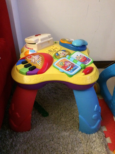 mesa didáctica interactiva fisher price
