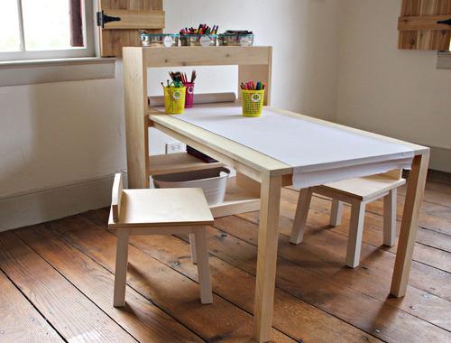 mesa- didáctica para chicos con sillas - para dibujar