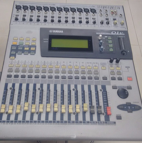 mesa digital yamaha 01v usada