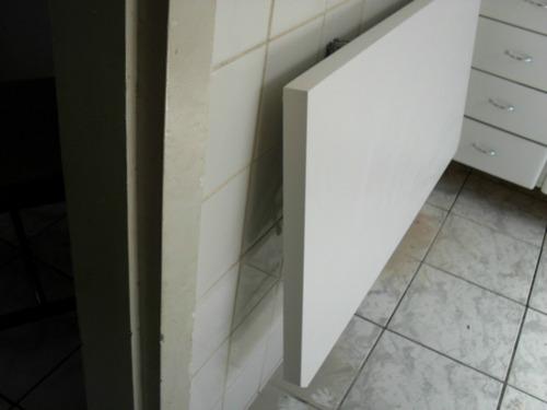 mesa dobravel pratik parede notebook pratileira cozinha