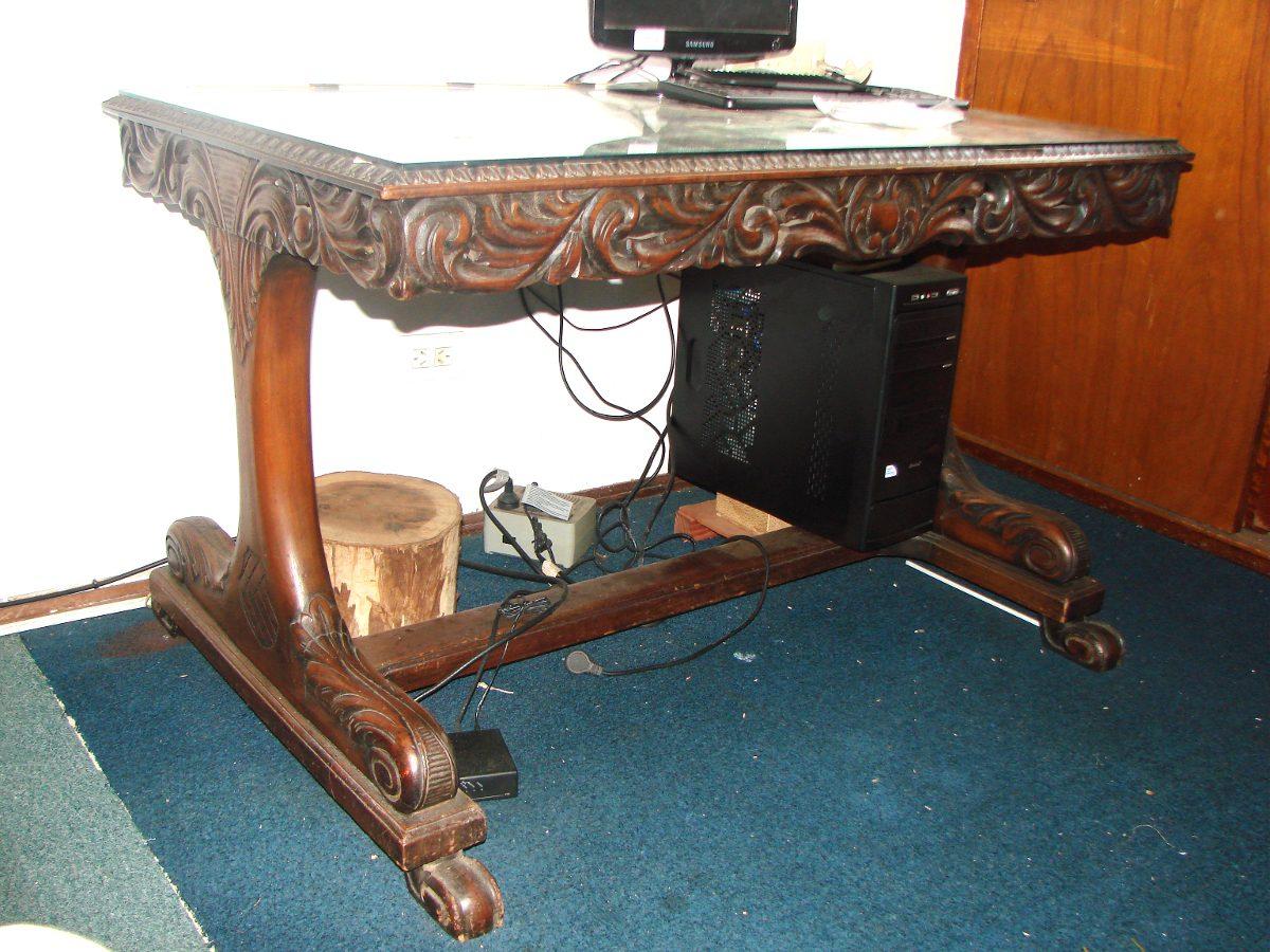 Mesa de escritorio platinum capital mendoza adidum - Escritorios madera maciza ...