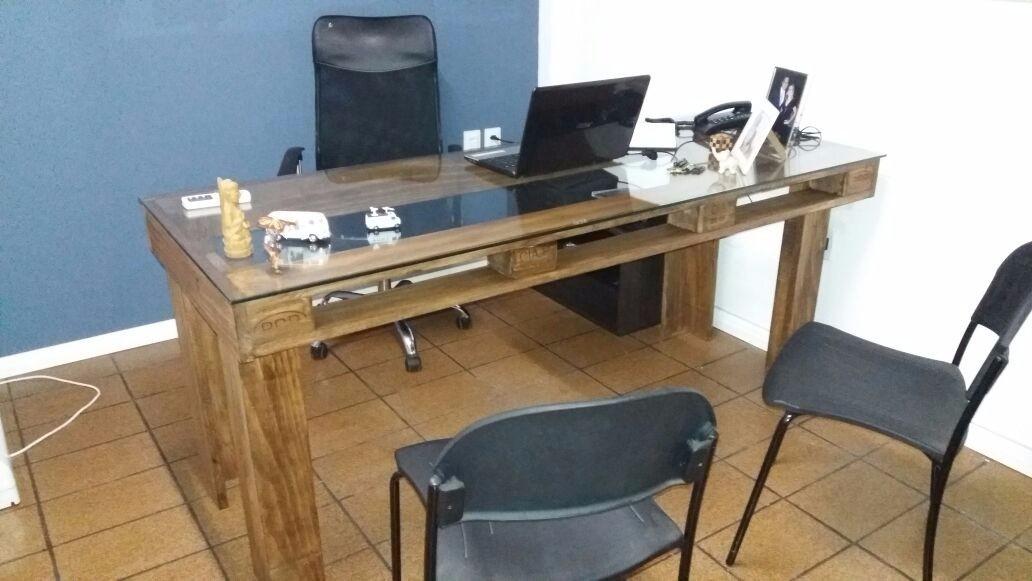Resultado de imagem para Mesa de pallet para escritório