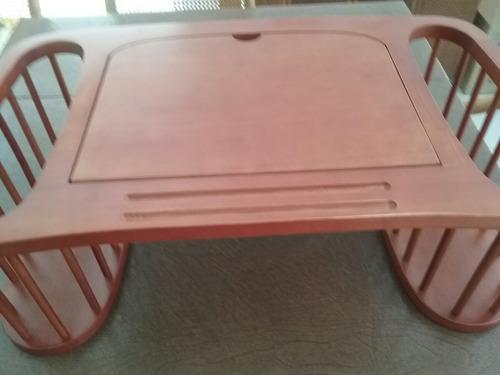 mesa / escritoriopara cama o sofá.