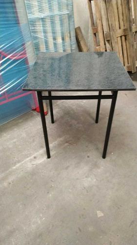 mesa estilo bar cuadrada