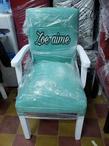 mesa extensible 1.60 + 8 sillas vestidas en  chenille
