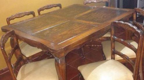 mesa extensible + seis sillas y dos aparadores