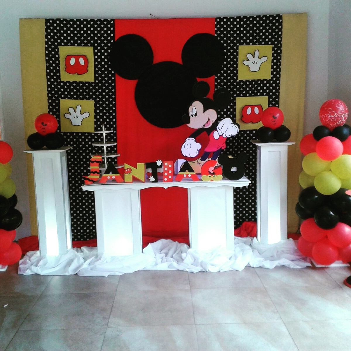 Mesa fantasia candy bar decoraciones de fiestas - Decoracion de bar ...