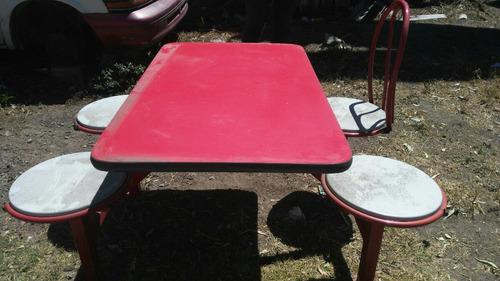 mesa fuente sodas
