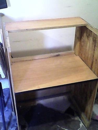 mesa hechiza para computadora