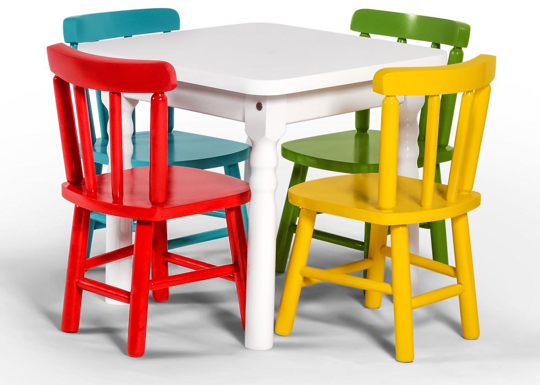 Mesa infantil de madeira quadrada com 2 cadeiras for Mesa infantil