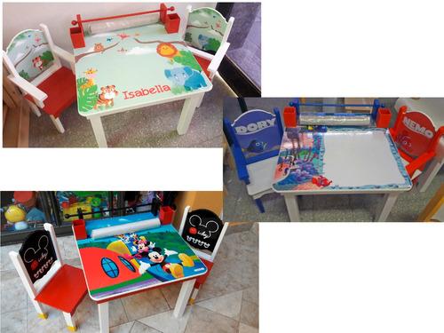 mesa infantil didáctica, 2 sillas,pizarra,lapic,rollo papel