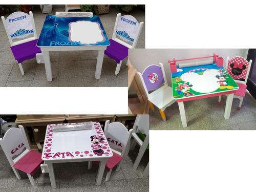 mesa infantil didáctica,2 sillas,pizarra y rollo de papel