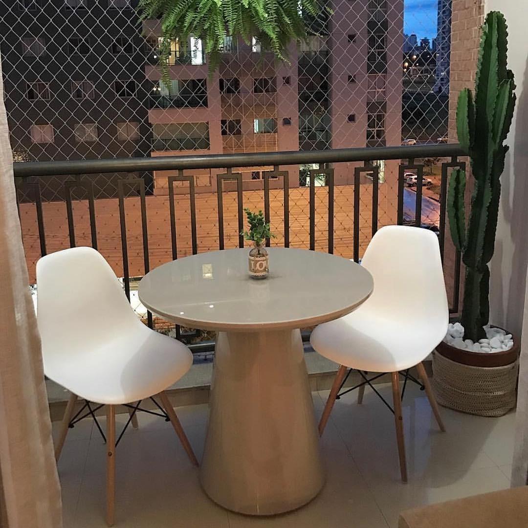 3cd62e9a193 mesa jantar cone conne redonda 90cm laca ou madeira fendi. Carregando zoom.