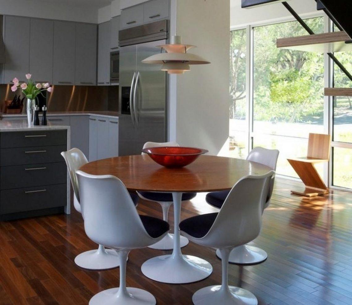 70beb013c9c mesa jantar saarinen redonda 100cm madeira laca+mesa lateral. Carregando  zoom.