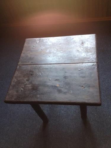 mesa lateral antigua
