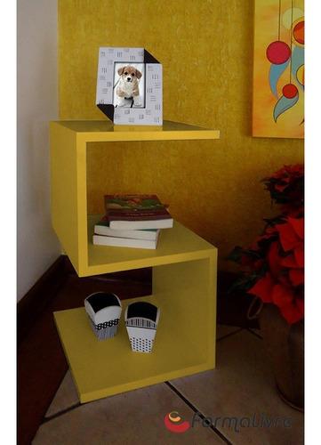 mesa lateral de apoio ou mesa de cabeceira s amarelo laca