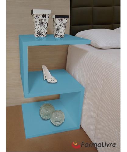 mesa lateral de apoio ou mesa de cabeceira s azul laca
