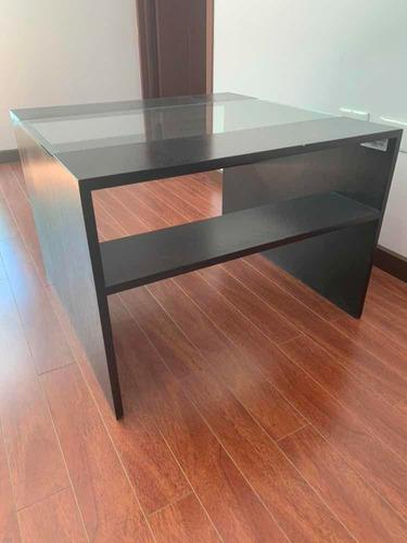 mesa lateral de madera con cristal