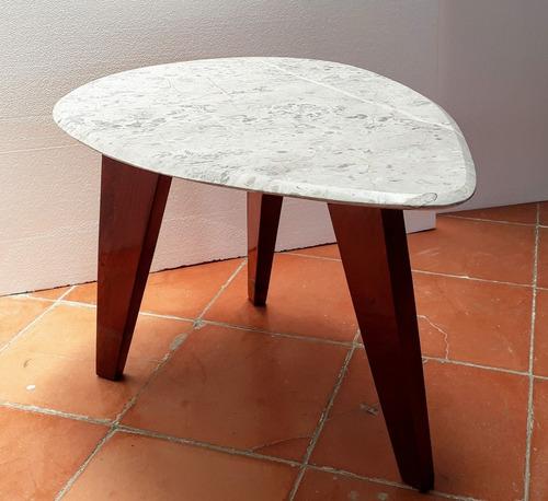 mesa lateral. madera xochi. base marmol cristal