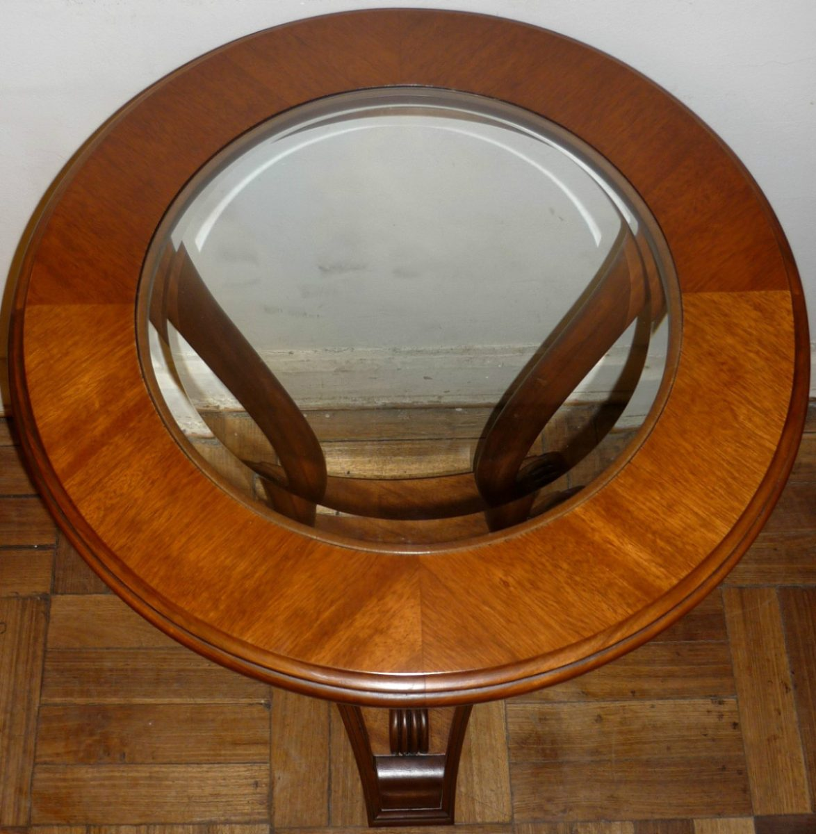 mesa lateral redonda pata de le n vidrio biselado de