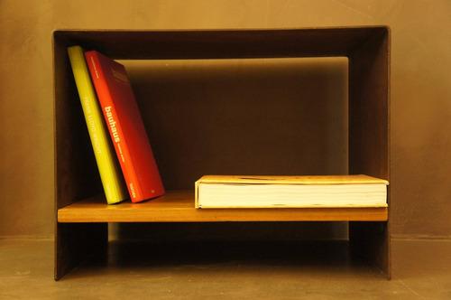 mesa luz/ratona hierro plegado y lapacho. [bror]