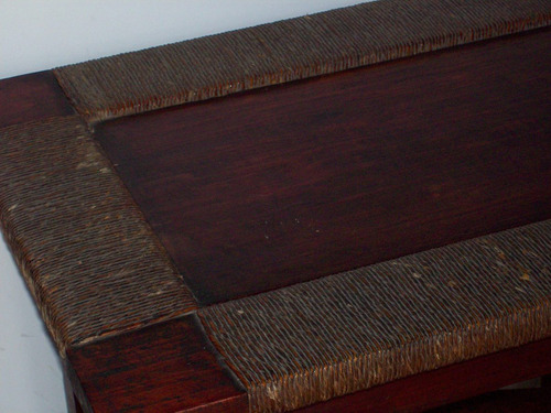 mesa madera y mimbre antigua