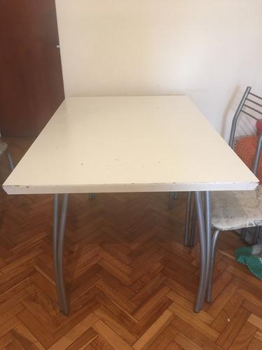 mesa melamina blanca y sillas