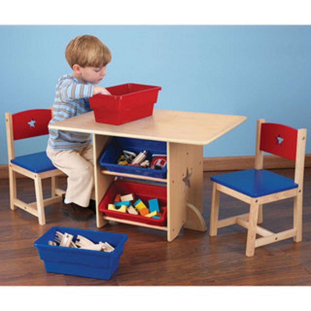 Mesa mesita con sillas kidkraft juego tareas para ni os for Mesa con sillas dentro