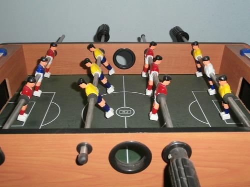 mesa mini futbolito futbolín usada como nueva con caja 50v