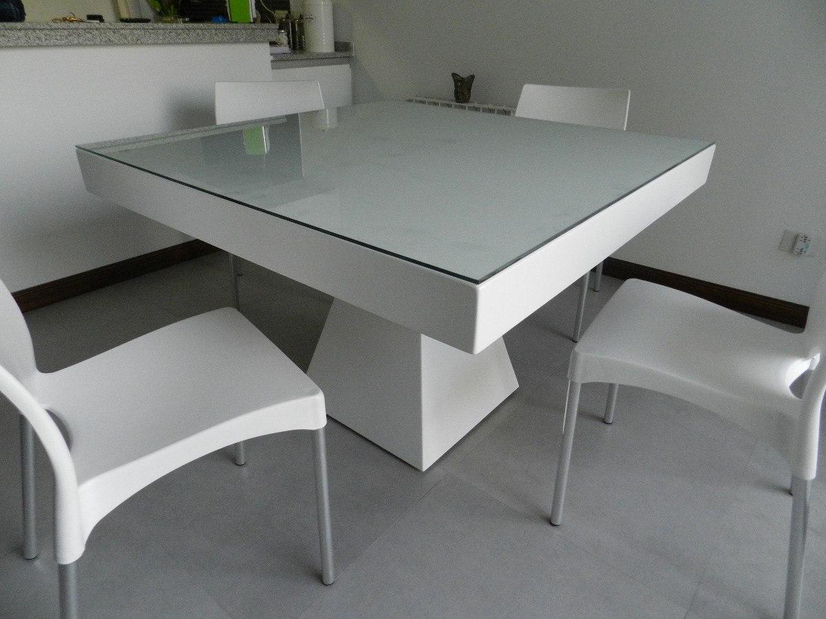 Mesa de la cocina de vidrio free image for Mesas esquineras modernas