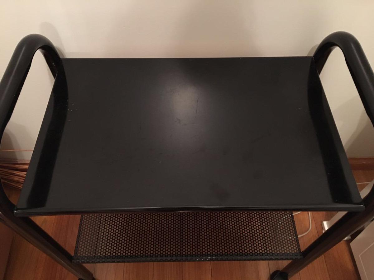 mesa negra con ruedas para tv de cao