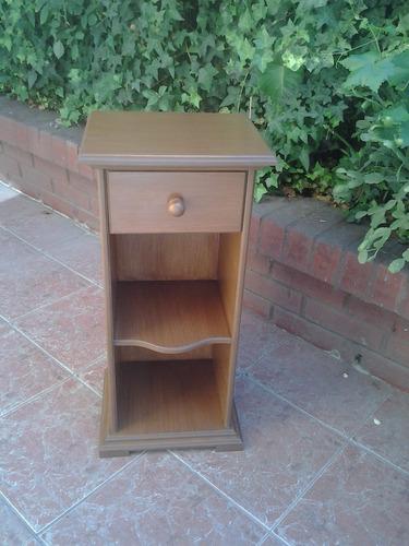 mesa noche madera  un cajón