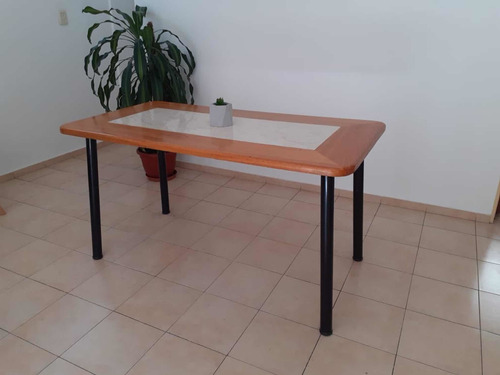 mesa para comedor 1,45 x 0,76m- aglomerado con patas de caño