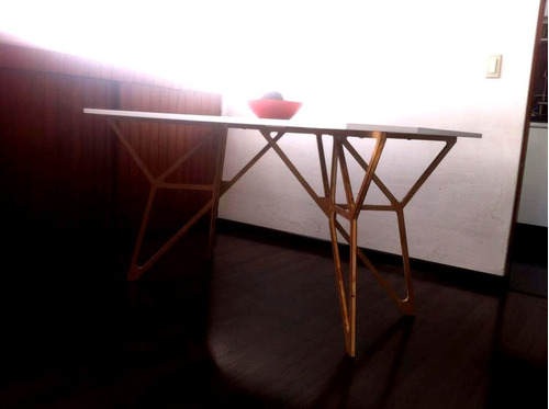 Mesa para comedor moderna estilo minimalista 6 for Comedor estilo minimalista
