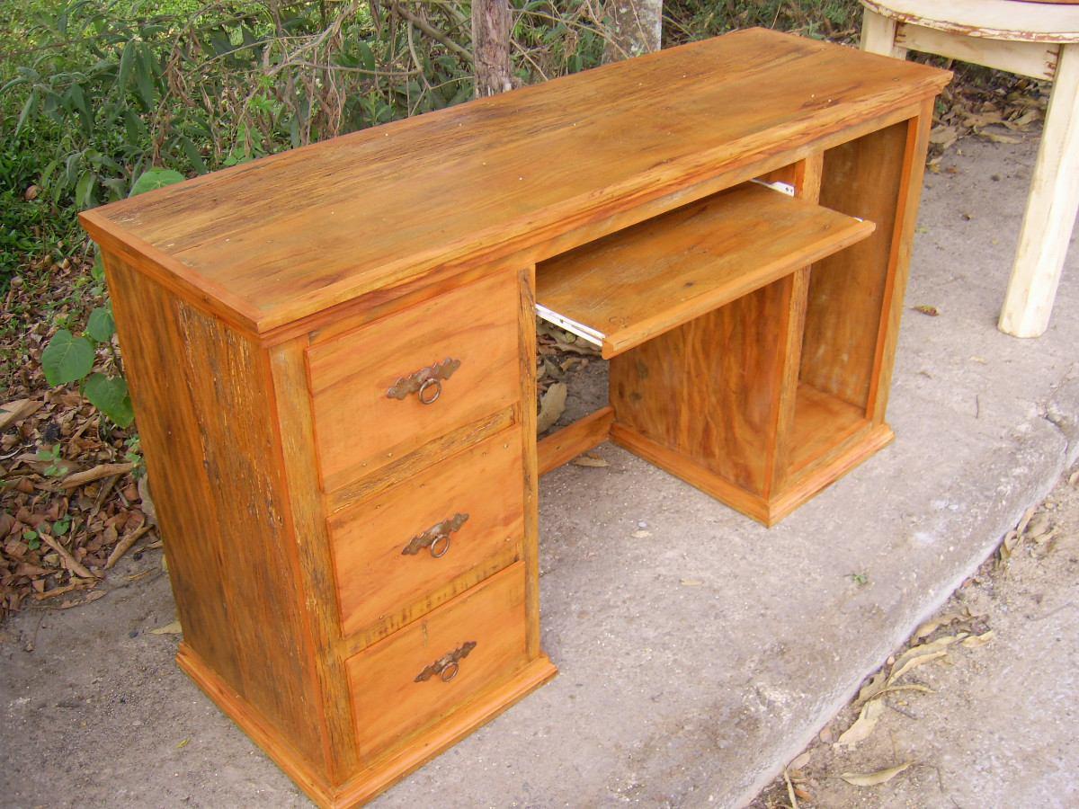 Mesa para computador madeira demoli o r em for Muebles para computador de mesa