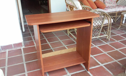 mesa para computadora de madera