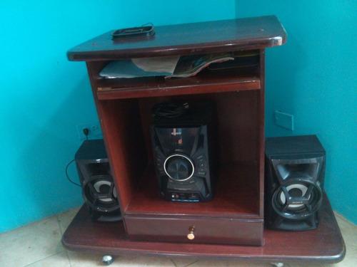 mesa para equipo de sonido y tv