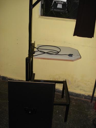 mesa para grabado de shablones y estampado de un portaprenda