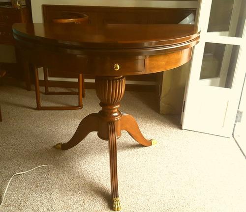 mesa para jogos dobrável vira aparador tampo de couro